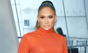 Jennifer Lopez sorprendió a sus fanáticos con un vestido