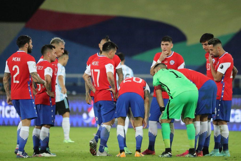 seleccion chilena de futbol de chile la roja caso positivo de covid-19 pcr coronavirus detectan deteccion confirman