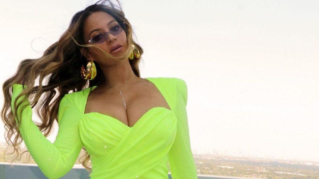 """Flex Park"": La colección de trajes de baño de Beyoncé llegó a Chile(1)"