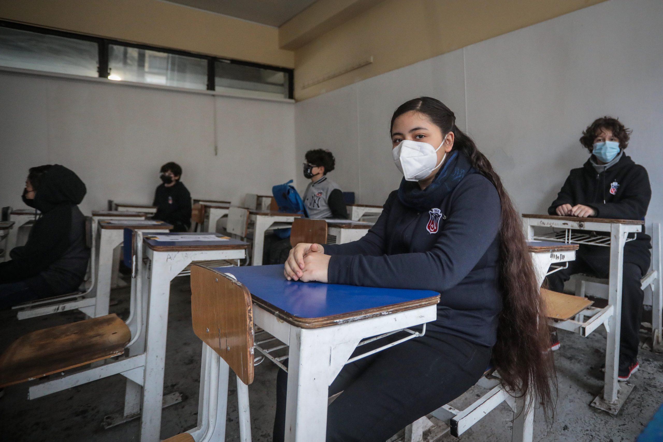 La Alcaldesa De Santiago Da La Bienvenida A Las Alumnas Del Instituto Nacional