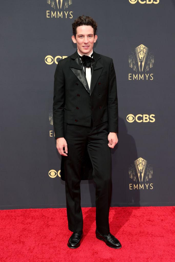 """Josh O'Connor - Nominado a mejor actor principal en serie dramática (""""The Crown"""")"""