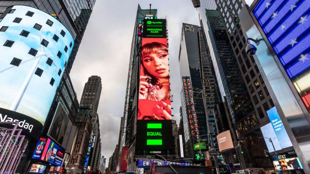 Princesa Alba Time Square (1)