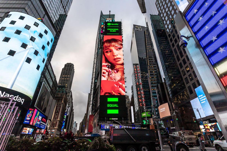 Princesa Alba Time Square