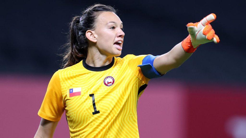 Christiane Endler Está Nominada Al Balón De Oro Del Fútbol Femenino