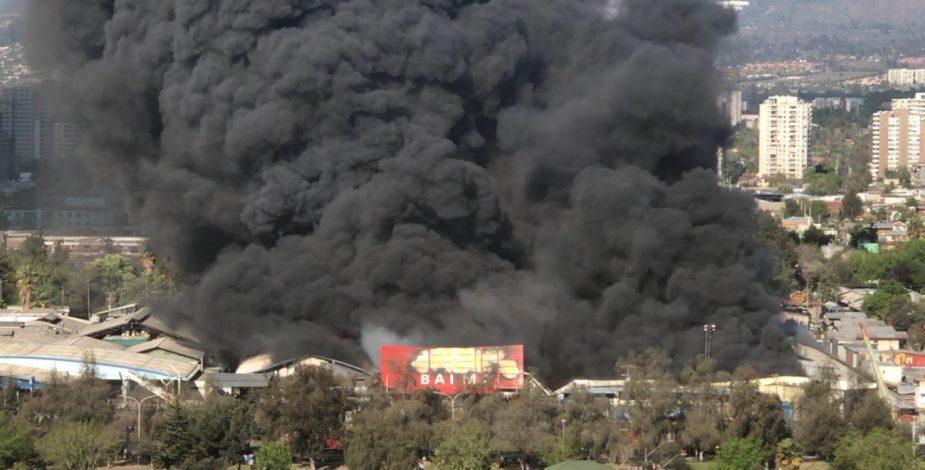 Incendio Macul Columna De Humo Santiago